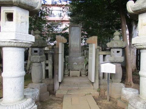 197堀田家墓所9