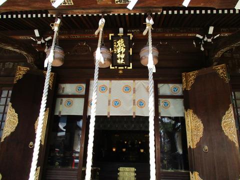 42拝殿2