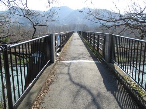 54金石水管橋1