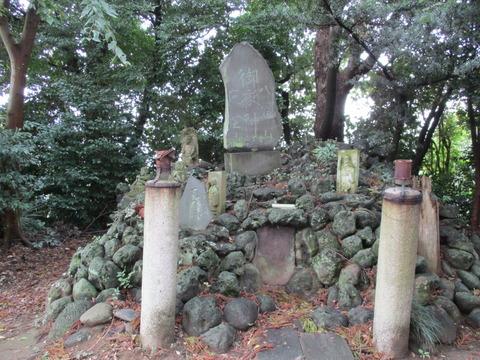 29野牛久伊豆神社10