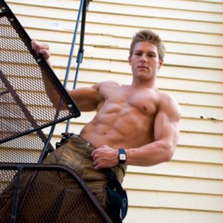 前へ 次へ 出典 消防男子萌え、現職イケメン消防士たちが上半身裸でマッチョに決める2010...