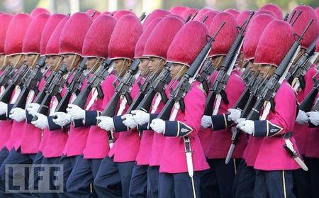 crazy_military_parades_14