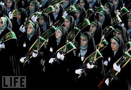 crazy_military_parades_13