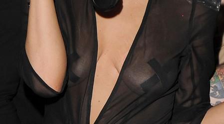 lady-gaga-nipple-boobs-09