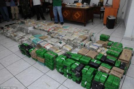 drug_money_12