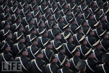 crazy_military_parades_11