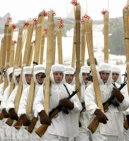 crazy_military_parades_19