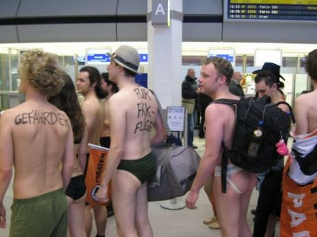 airport_flash_mob_32
