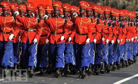 crazy_military_parades_18
