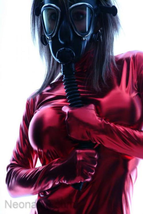 latex-and-gas-masks-1