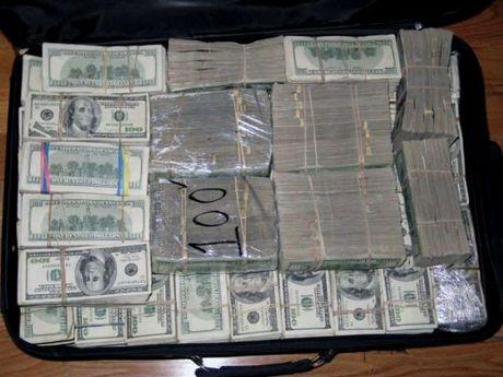drug_money_07