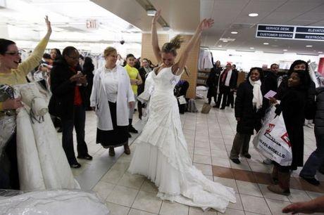 wedding_dress_race_11