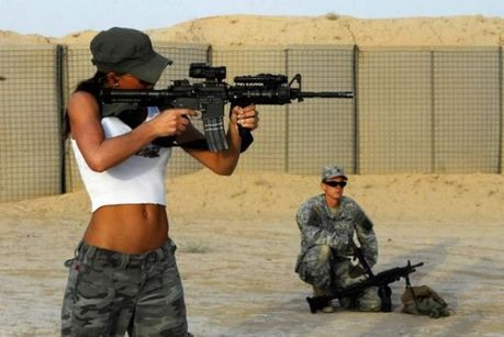 Hot_Babes_With_Guns_30