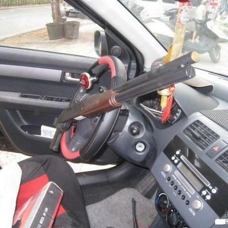 steering-wheel-lock-08