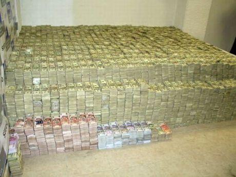 drug_money_01