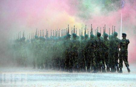 crazy_military_parades_12