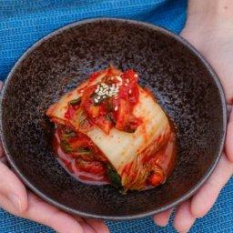 【画像】この写真を見たら絶対中国産のキムチが食べたくなくなるヤツww
