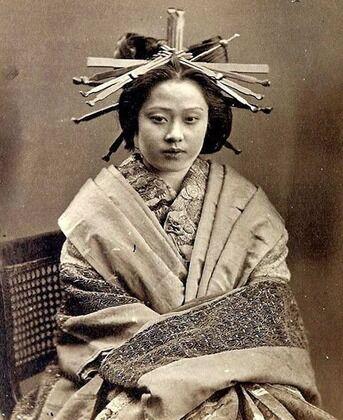 【画像】江戸時代の風俗嬢「花魁」美しすぎワロタwwwwwwwwwwwwww