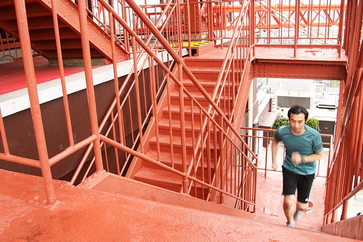 600段に挑む 東京タワー階段RUN