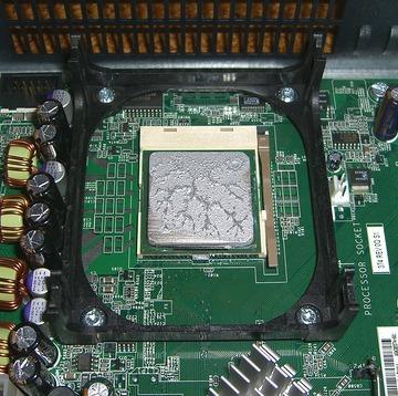 CPU シリコングリスの広がり例