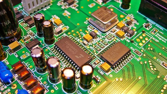 CREEK Cirrus Logic CS4396 Crystal Semiconductor