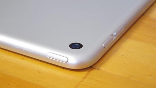 新型iPad miniカメラレンズ
