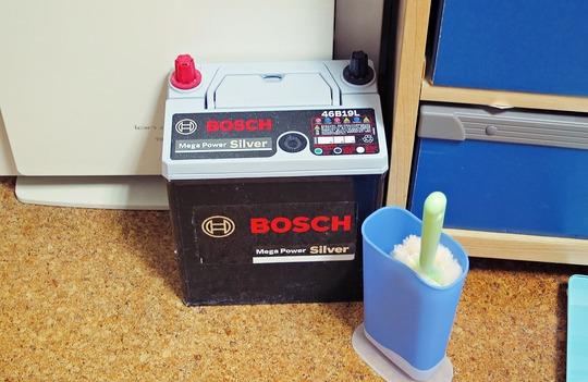 BOSCH自動車バッテリー