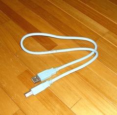 USBケーブル水色
