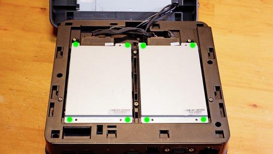ASUS VivoMini VC65 デュアル2.5インチドライブベイ