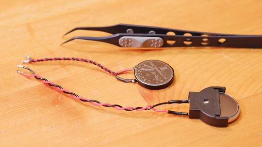 コネクタ付きコイン電池(CR2032)ホルダー