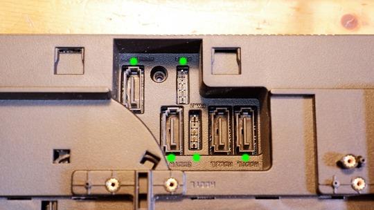 VivoMini VC65 SATA接続端子