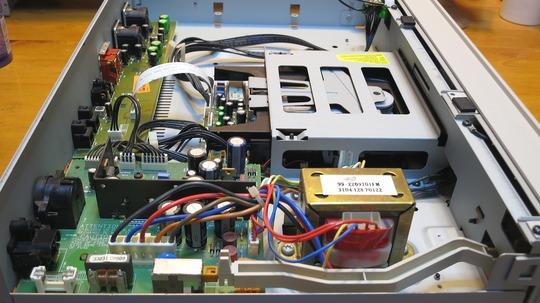 MARANTZ CDR630 inside 2