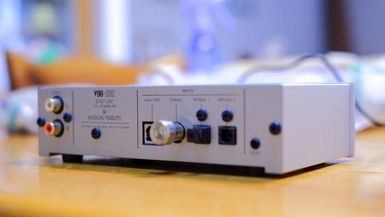 Musical Fidelity V90 DAC rear2