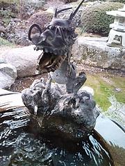 常楽寺 湧き水の竜