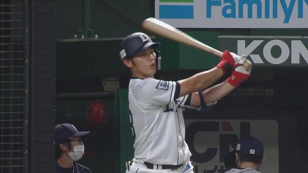 西武・岸潤一郎、プロ入り初打席!