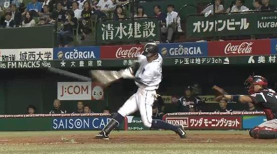 4回裏4斉藤タイムリー (3)