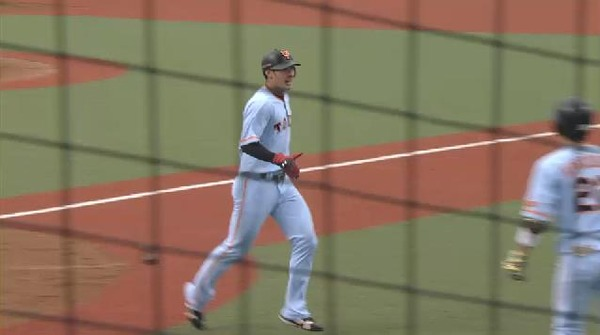 5回表1太田岡本の連打で失点 (4)