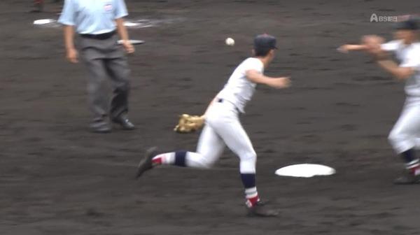 【GIF】横浜高校の華麗な守備wwww