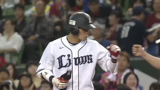 8回裏4鬼崎ヒット満塁 (5)