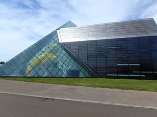 ガラスのピラミッド_02