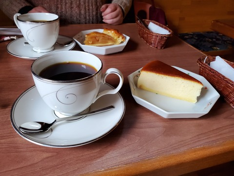 チーズケーキとアップルパイ