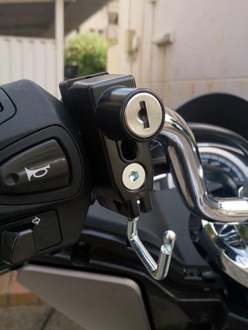 キタコ ヘルメットホルダーの取り付け手順3