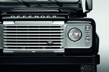 Land-Rover-Defender-2015-08