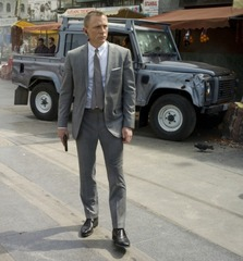 au034-land-rover-defender-110-double-cab-skyfall-james-bond