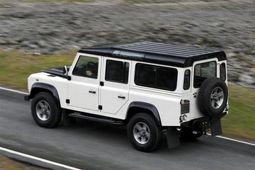 2010-Land-Rover-Defender-SUV_Image-010-800