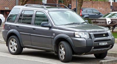 800px-2004-2006_Land_Rover_Freelander_HSE_td4_wagon_01