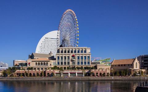 1200px-Anniversaire_-_Minatomirai_Yokohama