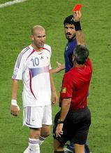 ワールドカップ決勝で一発レッドカードを受けたジダン