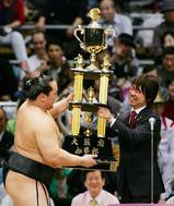 平成20年大相撲春場所は横綱朝青龍が4場所振りに優勝