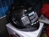 カーボンヘルメットとピレリータイヤ